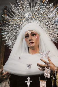 La Virgen del Carmen vestida de luto